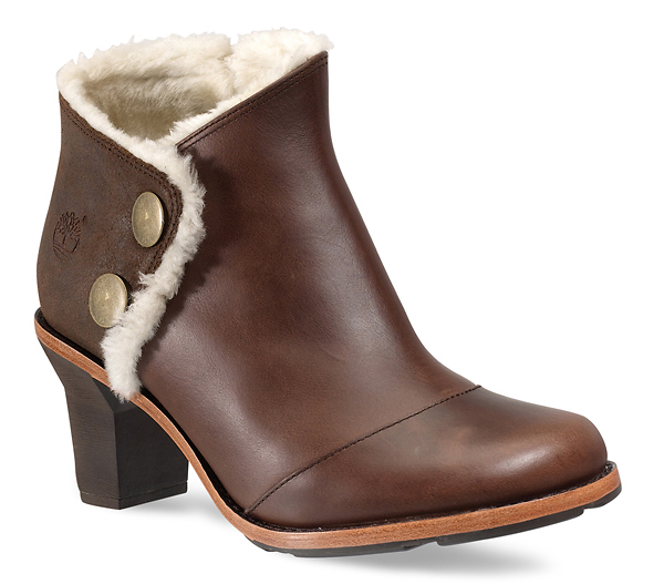 Boot with fur.